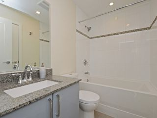 "Photo 9: 807 38 W 1ST Avenue in Vancouver: False Creek Condo for sale in ""THE ONE"" (Vancouver West)  : MLS®# R2355238"