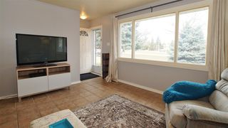 Photo 2: 6207 137 Avenue in Edmonton: Zone 02 House for sale : MLS®# E4152196