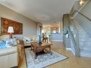 Photo 4: 848 Rainbow Crescent in VICTORIA: SE High Quadra Row/Townhouse for sale (Saanich East)  : MLS®# 410365