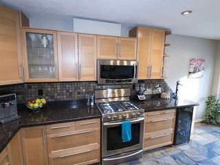 Photo 4: 4616 151 Street in Edmonton: Zone 14 Townhouse for sale : MLS®# E4158438
