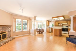 Photo 11: 15034 22 Avenue in White Rock: Sunnyside Park Surrey House for sale (South Surrey White Rock)  : MLS®# R2380431