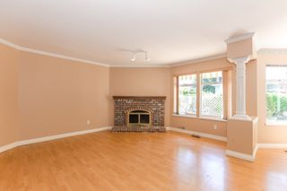 Photo 10: 15034 22 Avenue in White Rock: Sunnyside Park Surrey House for sale (South Surrey White Rock)  : MLS®# R2380431