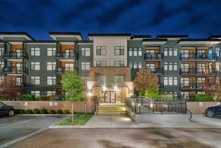 """Main Photo: 412 20078 FRASER Highway in Langley: Langley City Condo for sale in """"VARSITY"""" : MLS®# R2386012"""