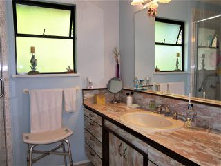 Photo 13: 14017 24 Avenue in Surrey: Sunnyside Park Surrey House for sale (South Surrey White Rock)  : MLS®# R2393152
