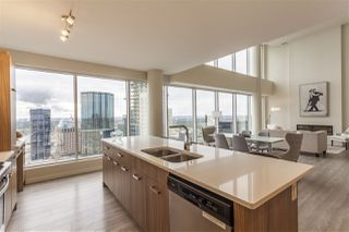 Photo 7: 3201 10410 102 Avenue in Edmonton: Zone 12 Condo for sale : MLS®# E4168929
