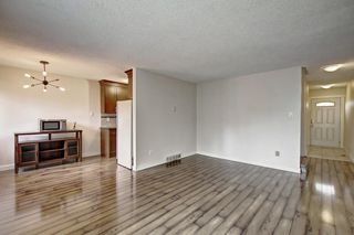 Photo 5: 4407 33 Avenue SW in Calgary: Glenbrook House for sale : MLS®# C4272011