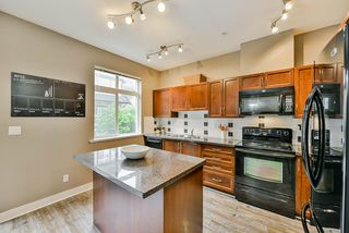 """Photo 6: 26 19932 70 Avenue in Langley: Willoughby Heights Townhouse for sale in """"Summerwood"""" : MLS®# R2414284"""
