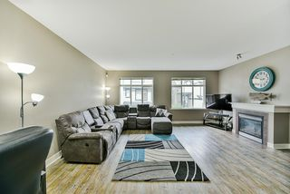 """Photo 2: 26 19932 70 Avenue in Langley: Willoughby Heights Townhouse for sale in """"Summerwood"""" : MLS®# R2414284"""