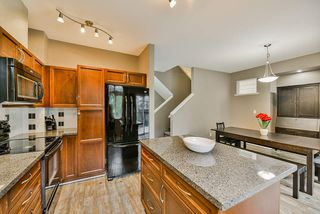 """Photo 7: 26 19932 70 Avenue in Langley: Willoughby Heights Townhouse for sale in """"Summerwood"""" : MLS®# R2414284"""