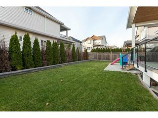 Photo 19: 5419 189A Street in Surrey: Cloverdale BC House for sale (Cloverdale)  : MLS®# R2420375
