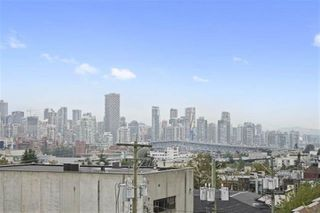 "Photo 16: 301 2195 W 5TH Avenue in Vancouver: Kitsilano Condo for sale in ""Hearthstone"" (Vancouver West)  : MLS®# R2427284"
