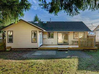Photo 3: 2272 VALLEY VIEW DRIVE in COURTENAY: CV Courtenay East House for sale (Comox Valley)  : MLS®# 832690