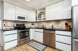 Photo 11: 2251 OAK Street in Vancouver: Fairview VW Townhouse for sale (Vancouver West)  : MLS®# R2439242