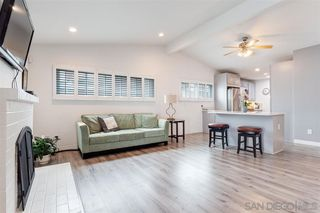 Photo 3: CLAIREMONT House for sale : 3 bedrooms : 4516 Mount Hubbard in San Diego