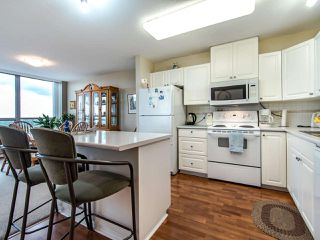 """Photo 11: 2003 612 SIXTH Street in New Westminster: Uptown NW Condo for sale in """"WOODWARD"""" : MLS®# R2472941"""