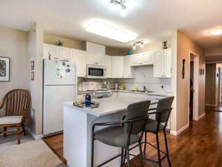 """Photo 8: 2003 612 SIXTH Street in New Westminster: Uptown NW Condo for sale in """"WOODWARD"""" : MLS®# R2472941"""