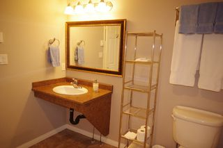 """Photo 9: 190 DEXTER Lane in No City Value: Out of Town House for sale in """"HIGHLAND CREAM GUN LAKE"""" : MLS®# R2477988"""