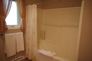 """Photo 8: 190 DEXTER Lane in No City Value: Out of Town House for sale in """"HIGHLAND CREAM GUN LAKE"""" : MLS®# R2477988"""