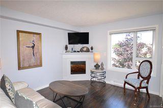 Photo 2: 301 885 Ellery St in Esquimalt: Es Old Esquimalt Condo Apartment for sale : MLS®# 844571