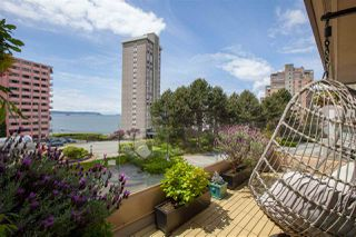 """Main Photo: 202 2202 MARINE Drive in West Vancouver: Dundarave Condo for sale in """"Stratford Court"""" : MLS®# R2484885"""