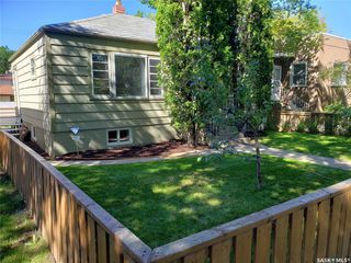 Photo 3: 1229 E Avenue North in Saskatoon: Mayfair Residential for sale : MLS®# SK826186