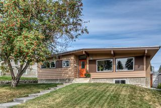 Photo 2: 624 SHERMAN Avenue SW in Calgary: Southwood Detached for sale : MLS®# A1035911