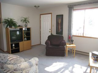 Photo 10: 32 5th Avenue Southeast in Dauphin: R30 Single Family Detached for sale
