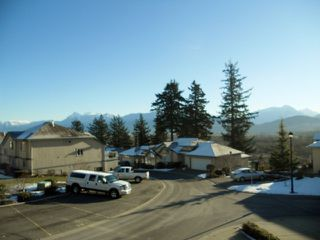 Photo 3: 56 8590 Sunrise Drive in Chilliwack: Townhouse for sale : MLS®# H1300151