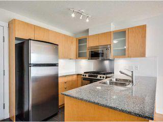 """Photo 5: 702 7555 ALDERBRIDGE Way in Richmond: Brighouse Condo for sale in """"OCEAN WALK"""" : MLS®# V1060802"""