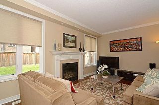 Photo 7: 10 Wintam Place in Markham: Victoria Square House (2-Storey) for sale : MLS®# N2926011