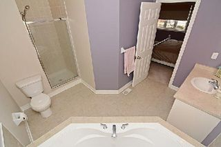 Photo 2: 10 Wintam Place in Markham: Victoria Square House (2-Storey) for sale : MLS®# N2926011