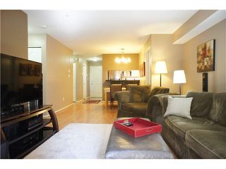 """Photo 8: 110 7326 ANTRIM Avenue in Burnaby: Metrotown Condo for sale in """"SOVEREIGN MANOR"""" (Burnaby South)  : MLS®# V1088040"""