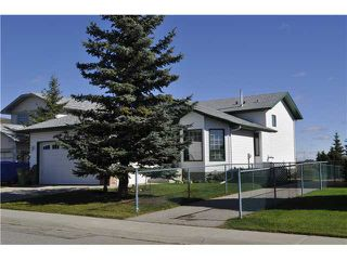 Main Photo: 422 MEADOWBROOK Bay SE: Airdrie Residential Detached Single Family for sale : MLS®# C3638597