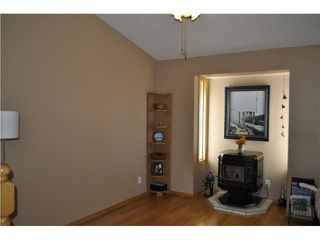 Photo 3: 422 MEADOWBROOK Bay SE: Airdrie Residential Detached Single Family for sale : MLS®# C3638597