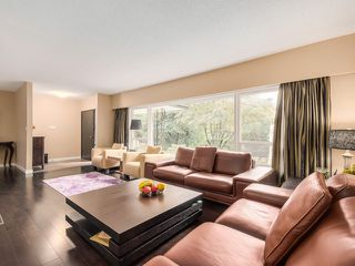 Photo 3: 77 DESSWOOD Place in West Vancouver: Glenmore House for sale : MLS®# V1090987