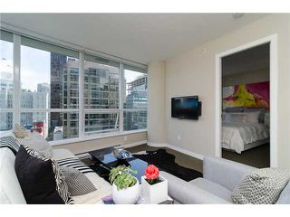 "Photo 2: 1311 833 SEYMOUR Street in Vancouver: Downtown VW Condo for sale in ""CAPITOL RESIDENCES"" (Vancouver West)  : MLS®# V1093170"