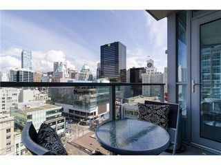 "Photo 8: 1311 833 SEYMOUR Street in Vancouver: Downtown VW Condo for sale in ""CAPITOL RESIDENCES"" (Vancouver West)  : MLS®# V1093170"