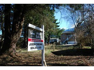 Photo 1: 38068 SIXTH Avenue in Squamish: Downtown SQ Land for sale : MLS®# V1108950