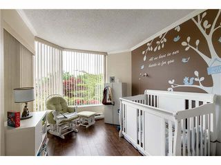 Photo 11: 205 1065 QUAYSIDE Drive in New Westminster: Quay Condo for sale : MLS®# V1123472
