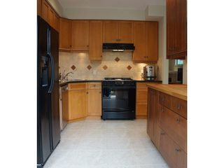 Photo 8: 2388 TRUTCH Street in Vancouver: Kitsilano House 1/2 Duplex for sale (Vancouver West)  : MLS®# V1124635