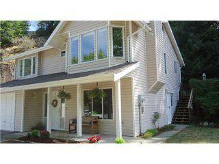 """Photo 4: 40604 PERTH Drive in Squamish: Garibaldi Highlands House for sale in """"Garibaldi Highlands"""" : MLS®# V1140783"""