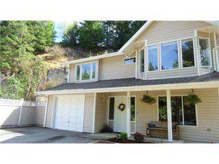 """Photo 2: 40604 PERTH Drive in Squamish: Garibaldi Highlands House for sale in """"Garibaldi Highlands"""" : MLS®# V1140783"""