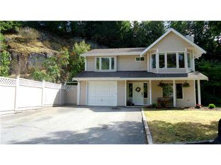 """Photo 1: 40604 PERTH Drive in Squamish: Garibaldi Highlands House for sale in """"Garibaldi Highlands"""" : MLS®# V1140783"""