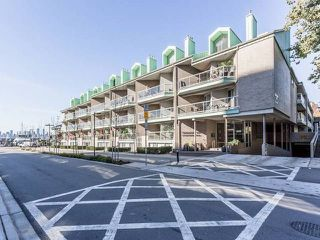 """Photo 1: 3209 33 CHESTERFIELD Place in North Vancouver: Lower Lonsdale Condo for sale in """"HARBOURVIEW PARK"""" : MLS®# R2008580"""