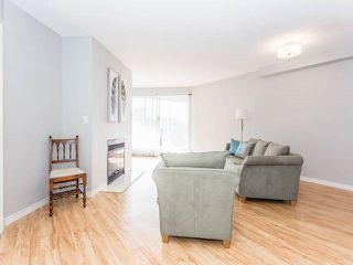 "Photo 2: 3209 33 CHESTERFIELD Place in North Vancouver: Lower Lonsdale Condo for sale in ""HARBOURVIEW PARK"" : MLS®# R2008580"