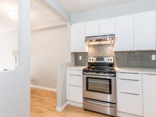 """Photo 14: 3209 33 CHESTERFIELD Place in North Vancouver: Lower Lonsdale Condo for sale in """"HARBOURVIEW PARK"""" : MLS®# R2008580"""