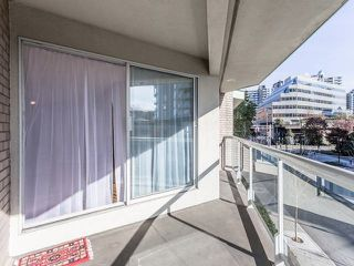 "Photo 19: 3209 33 CHESTERFIELD Place in North Vancouver: Lower Lonsdale Condo for sale in ""HARBOURVIEW PARK"" : MLS®# R2008580"