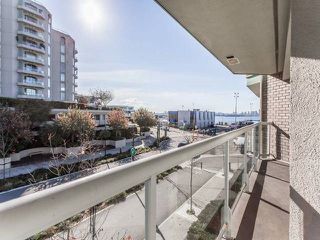 "Photo 9: 3209 33 CHESTERFIELD Place in North Vancouver: Lower Lonsdale Condo for sale in ""HARBOURVIEW PARK"" : MLS®# R2008580"