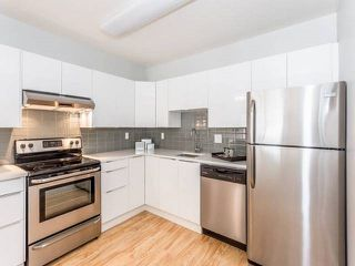 "Photo 4: 3209 33 CHESTERFIELD Place in North Vancouver: Lower Lonsdale Condo for sale in ""HARBOURVIEW PARK"" : MLS®# R2008580"