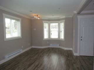 "Photo 2: 22 33313 GEORGE FERGUSON Way in Abbotsford: Central Abbotsford Townhouse for sale in ""Cedar Lane"" : MLS®# R2012428"